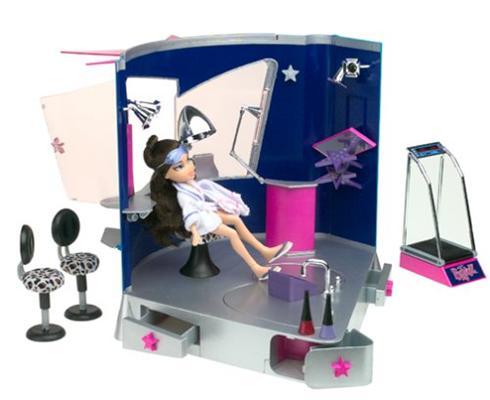 2002 Stylin' Salon 'N' Spa Stock Photo